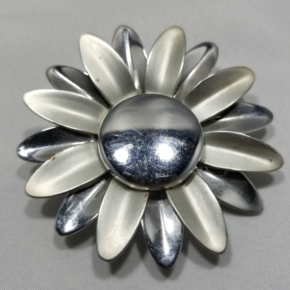 Jewelry - Vintage custom brooch pin jewelry large